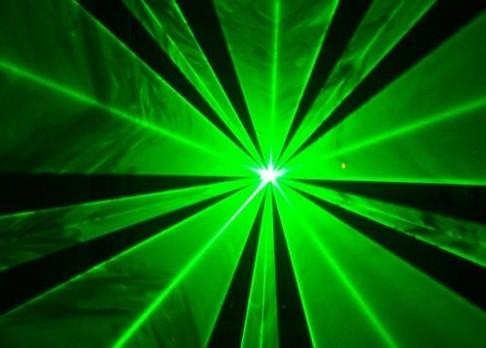 Laser vyčistí potištěný papír