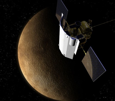 Messenger hlásí: Na Merkuru je (skoro) všechno jinak!