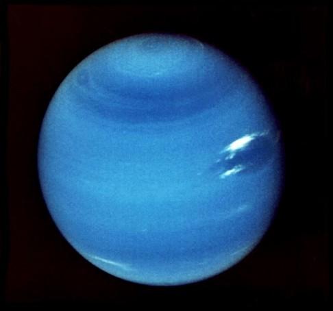 Neptun oslavil první narozeniny