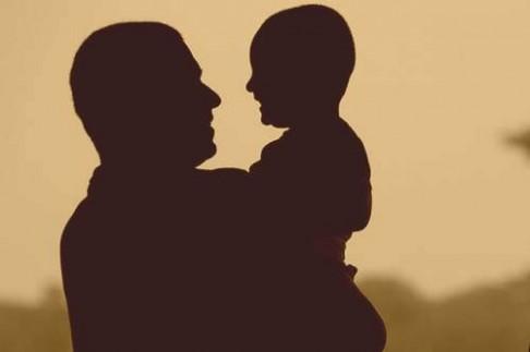 Otcovství není legrace, ale může být