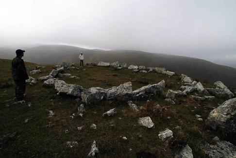 """Znovunalezený Kavkaz: víno, nejstarší důl i kavkazské """"Stonehenge"""""""