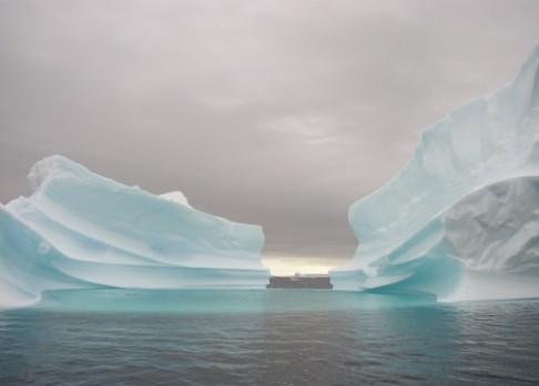 Led na Antarktidě stále taje
