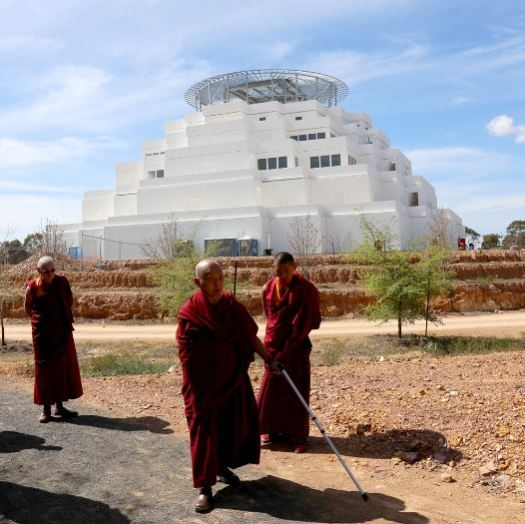 lama zopa at great stupa