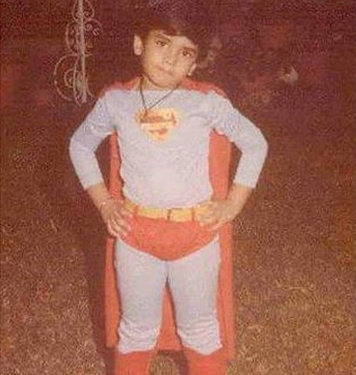 childhood picture of Tusshar Kapoor