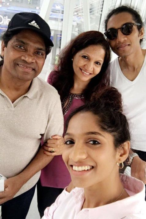 Johnny Lever with his family
