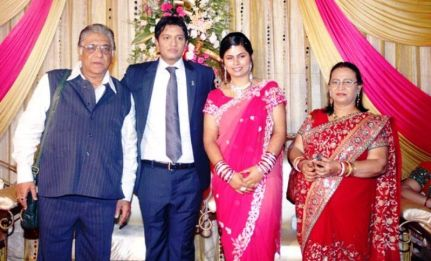 Aanjjan Srivastav With His Son, Daughter-In-Law and Wife