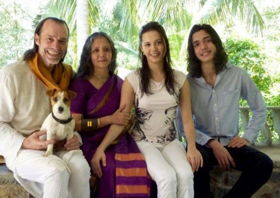 Isha Sharvani with Her Parents and Brother