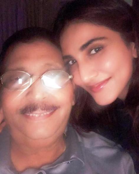 Vaani Kapoor with Her Father