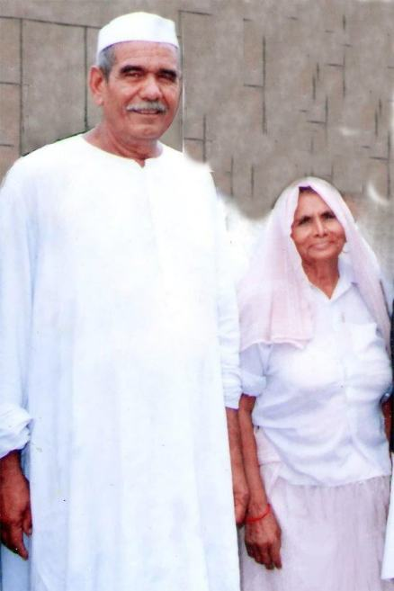 Naresh Tikait's parents, Mahendra Singh Tikait and Baljori Devi
