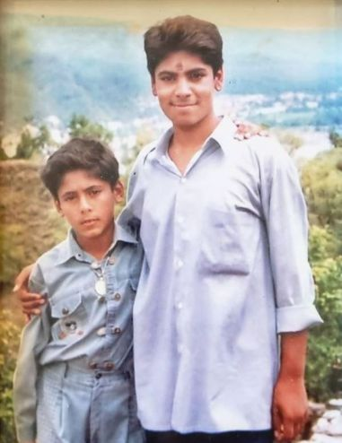 Mohit Manocha's childhood picture with his brother