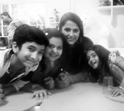 Shipra Khanna with her children