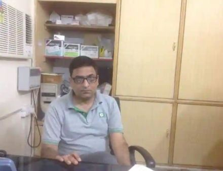 Dr. Navneet Kalra in his clinic