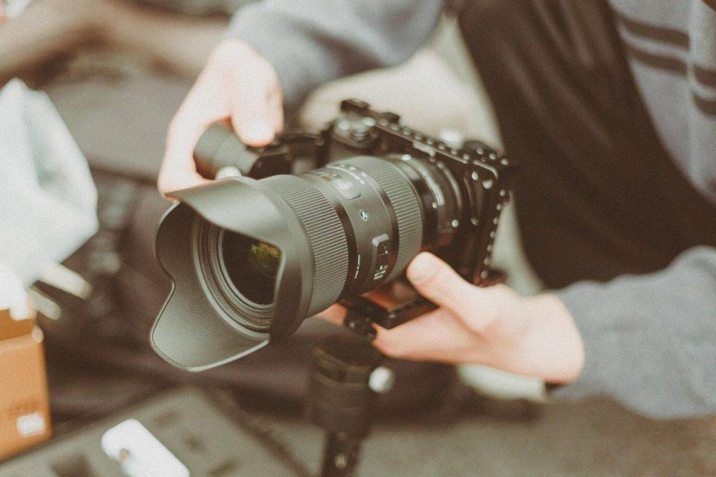 Idei pentru contractarea unui cameraman