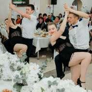 "Dansatori la ceremonii ""Trandafir'"