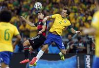 Gjermani Miroslav Klose,ne dyluftim me brazilianin David Luiz