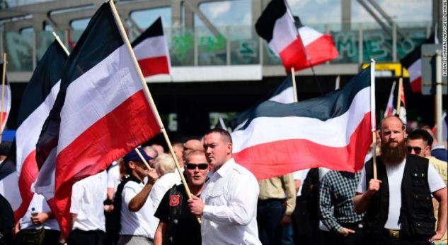 Neo nazistët marshojnë rrugëve të Berlinit