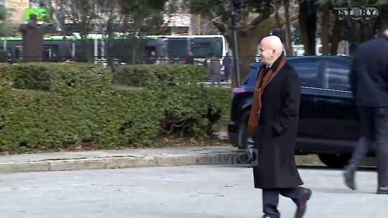 Deputeti Sadri Abazi paraqiti kursin e shoferave për Universitet
