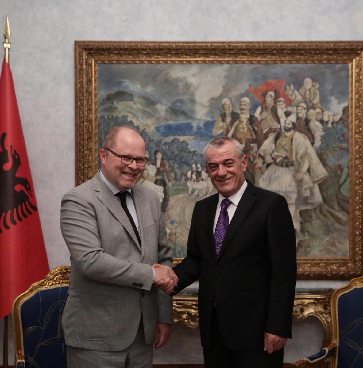Zyrtari gjerman takon Ruçin  Lobojmë në Bundestag për një  PO  për Shqipërinë në BE