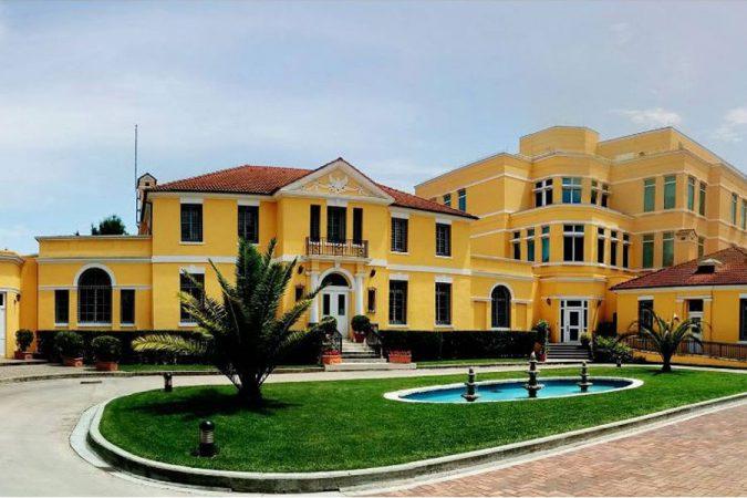 Zgjedhja e dy anëtarëve të Kushtetueses  Ambasada e SHBA  Votimi e çon Shqipërinë përpara