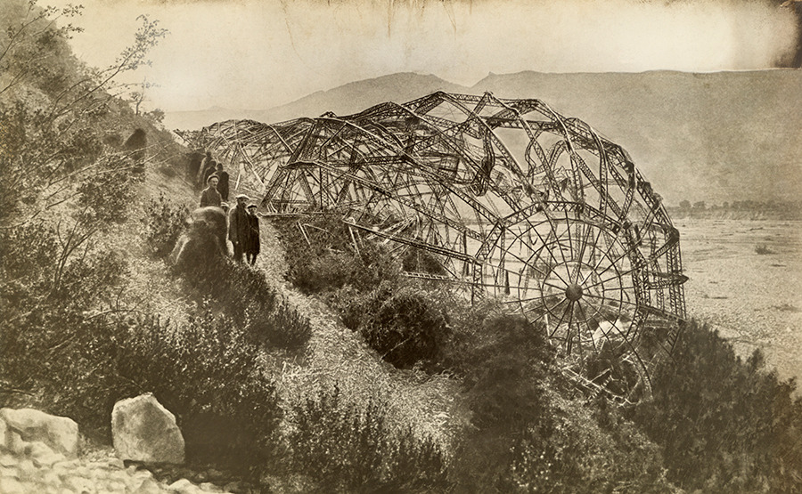 A wrecked Zeppelin sits ashore in Mison, France, 1918.Photograph by Paul Thompson, National Geographic