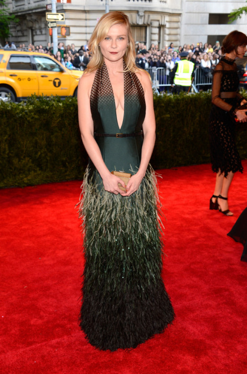 Kirsten Dunst in Louis Vuitton at the 2013 Met Ball