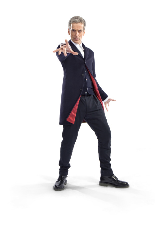 """IT'S HERE!The new Doctor's 'costume' has been revealed.Commenting on his costume, Peter Capaldi said: """"He's woven the future from the cloth of the past. Simple, stark, and back to basics. No frills, no scarf, no messing, just 100 percent Rebel Time Lord."""" While lead writer and executive producer Steven Moffat added: """"New Doctor, new era, and of course new clothes. Monsters of the universe, the vacation is over - Capaldi is suited and booted and coming to get you!""""Read more about the costume, its creation and The Twelfth Time Lord here:http://www.bbc.co.uk/blogs/doctorwho/articles/Peter-Capaldi-Doctor-Who-Costume-Revealed-"""