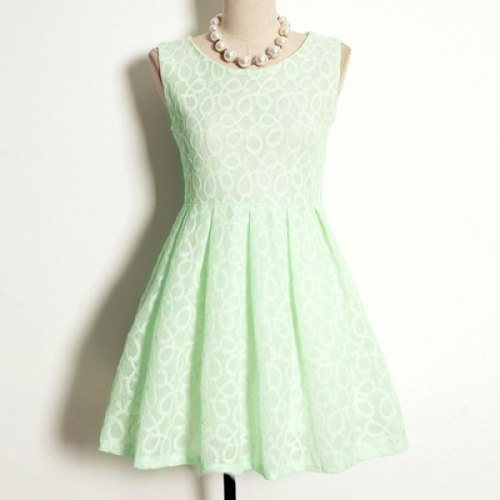 thelazyfilipino:</p><br /> <p>Vintage Floral Print Scoop Neck Sleeveless A-Line Pleated Dress