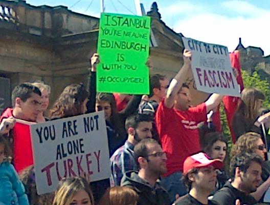 Edinburgh'dan saygilar, kalbimiz sizinle.Edinburgh, Scotland sends their support to #occupygezi #direngeziparki