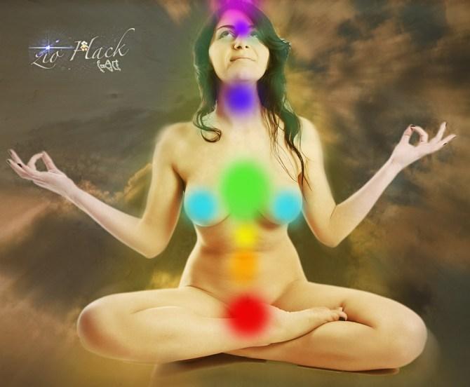 Valentina Nappi in meditazione   By Zio Hack