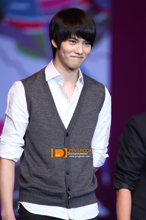 [051110] CN Blue - Jonghyun @ PD Radio Concert (Thailand) (more…)