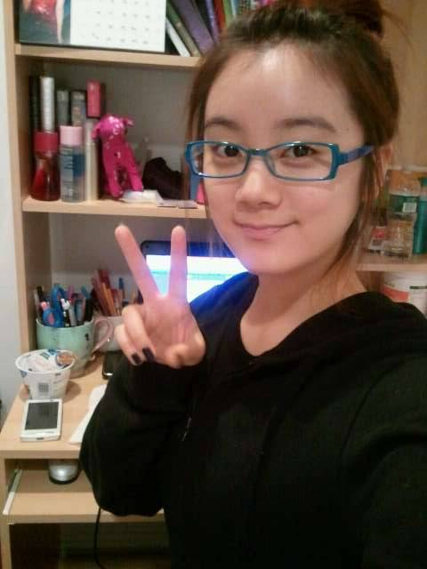 110130 Lim's Twitter  Me in my room!!♥