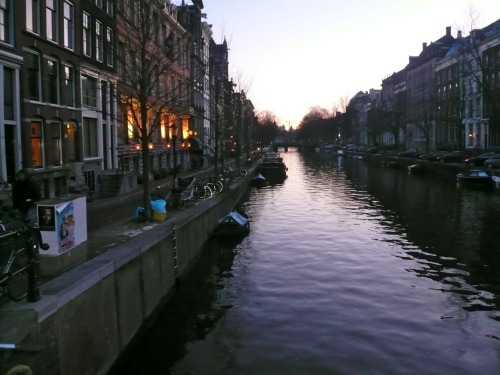How poor are they that have not patience! ~ Shakespeare Photo: Amsterdam Jan 2009. Simon Alcantara