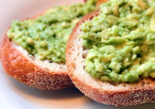 I used to loveeee starting my day with two pieces of crusty bread with mashed avocado spread on top of them. Possibly with some tuna on top as well. Great source of energy, and it tastes soooo yummy!