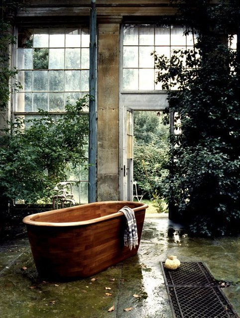 theblackworkshop:</p><br /><br /> <p>Teak Bath<br /><br /><br />