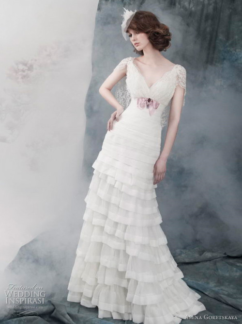 gryffindors:</p><br /> <p>helloweddingdiary:</p><br /> <p>Alena Goretskaya 2011 bridal collection </p><br /> <p>oh my goodness, i love this. <br /><br />