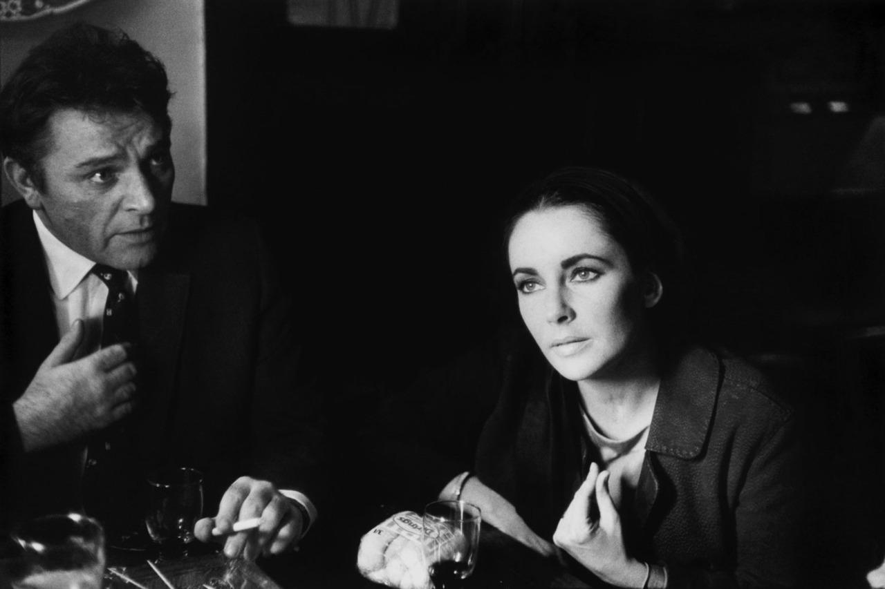 Resultat d'imatges de eve arnold Burton and Taylor, 1963
