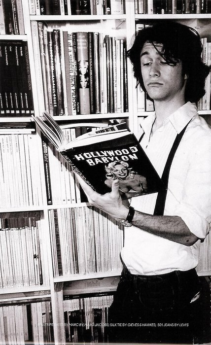 Joseph Gordon-Levitt reads. This one's for you, Heather.