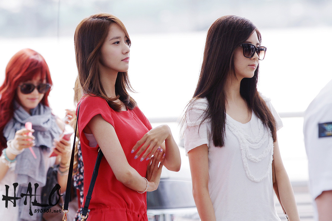 [Photos] 12.06.09 Yoona at Incheon Airport with SM Town ...