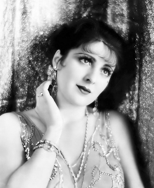 """Billie Dove At the height of the Roaring '20s, Louis B. Mayer acclaimed her the """"most beautiful woman in Hollywood,""""  North side of the 6300 block of Hollywood Boulevard"""