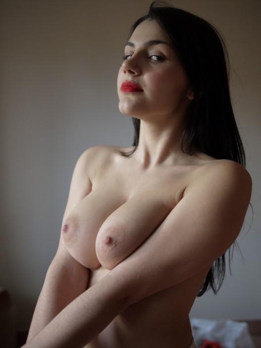 Squeeze your boobs Valentina!