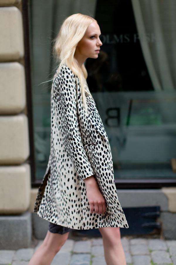 Wingtip Coat Leopard Linen click to sign up!
