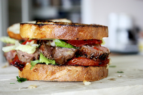 id-rather-have-food:</p><br /><br /><br /><br /><br /><br /> <p>roasted garlic steak sandwich<br /><br /><br /><br /><br /><br /><br />
