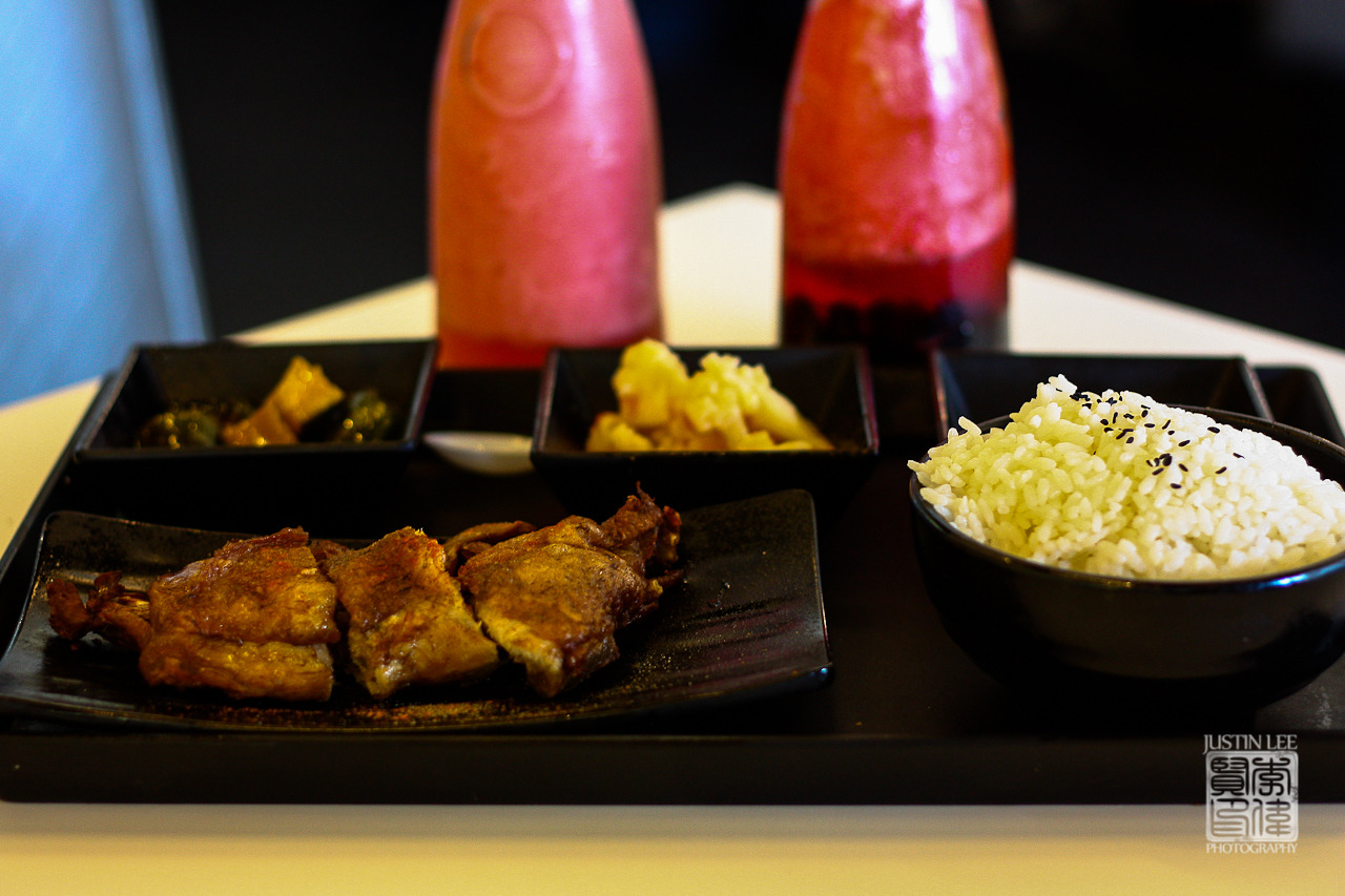 Taiwanese chicken leg w/rice 香酥雞腿飯