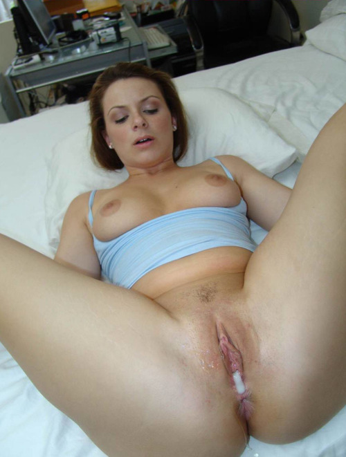 Sexy amateur wife eating her own cum