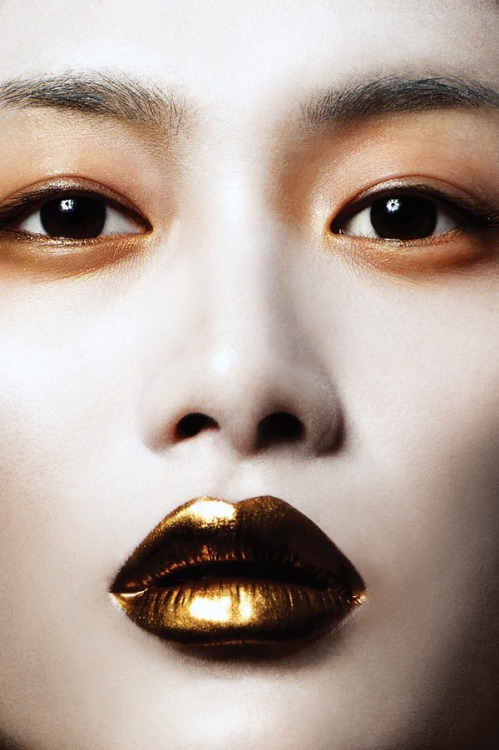 Maquiagem bronze metálico