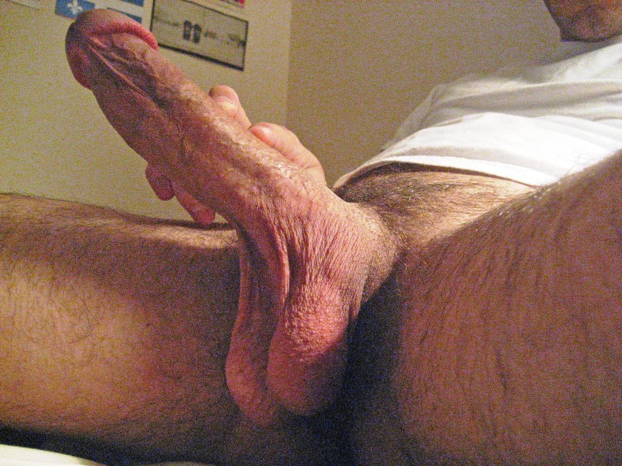 Huge penis solo