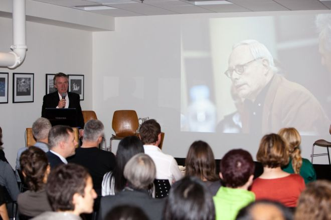 Professor Klemp talking about Dieter Rams and the Braun Design Team | © 2011 Philipp Weitz Photography