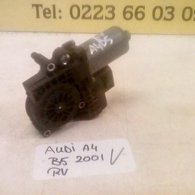 0 130 821 786 Raammotor Rechts Voor Audi A4 B5 (2001)