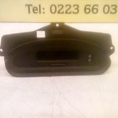 P8200028364A Display Renault Scenic 2001