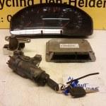 3B0 907 557 N 8D0 920 900 K ECU Startset Audi A4 Avant 1.6 1999